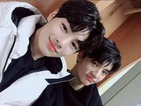 I.N and Hyunjin IG Update 180325