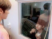 Lee Know Hyunjin IG Update 20200306 (3)