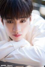 Bang Chan Naver x Dispatch December 2019 (6)