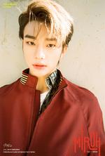 Hyunjin Clé 1 Miroh Promo Picture (2)