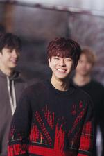 Seungmin Distric 9 Music Video Shooting Behind (2)