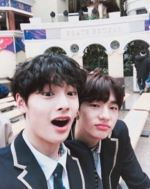 I.N and Hyunjin IG Update 180130 (2)