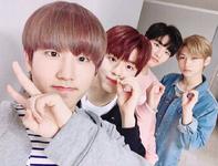 Han, Seungmin, Hyunjin and Felix IG Update 180310 (1)
