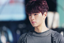 Seungmin I am NOT Jacket Shooting Behind (2)