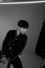 Woojin Clé 1 Miroh Jacket Shooting Behind (2)