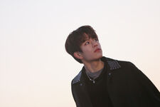 Seungmin Young Wings Performance Video Shooting Behind (3)