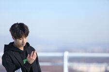 Jisung Young Wings Performance Video Shooting Behind (2)