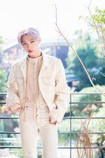 Felix Naver x Dispatch December 2019 (3)