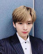 Lee Know IG Update 20190502 (2)