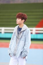 Seungmin Grow Up Video Shooting Behind (3)