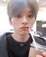 Lee Know IG Update 20200104 (1)