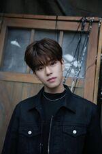 Seungmin 19 Video Shooting Behind (1)