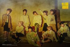 Stray Kids Clé 2 Yellow Wood Promo Picture (1)