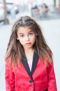 Ariana Greenblatt 4