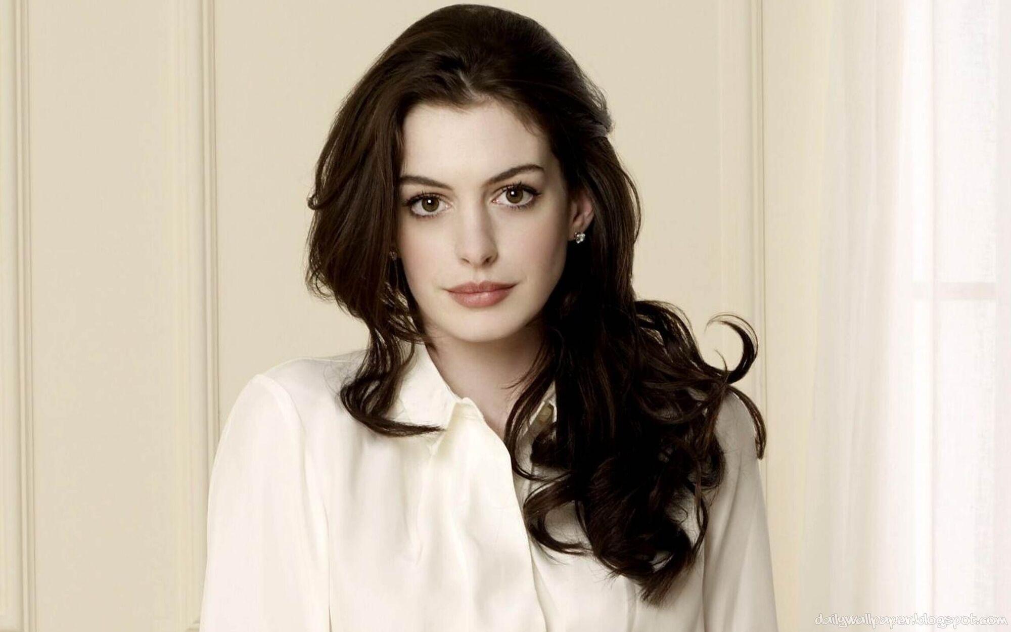 Anne Hathaway born November 12, 1982 (age 35)