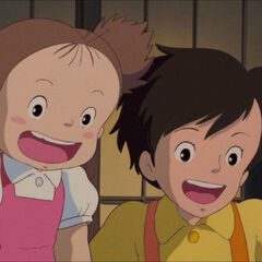 Mei and Satsuki excited at Totoro's gift