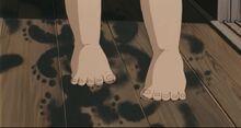 Mei feet in sootdust
