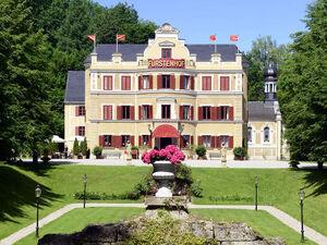 Schloss Vagen-1