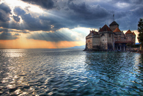 The Sun Sets on Château de Chillon-5222