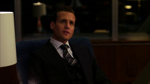 File:S01E01P05 Harvey.png