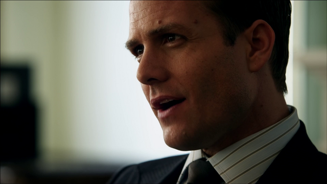 File:S01E01P27 Harvey.png