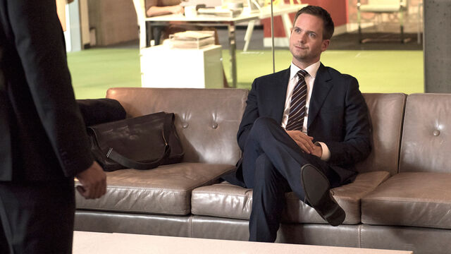 File:S06E14Promo03 - Mike.jpg