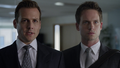 Harvey & Mike (2x01).png