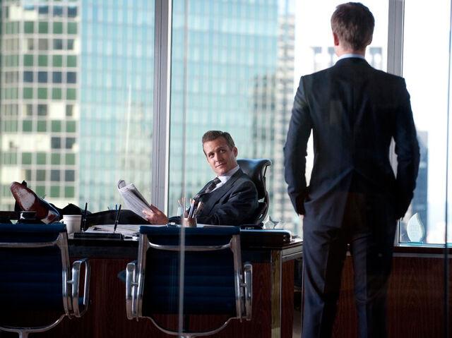 File:S01E01 Harvey Specter and Mike Ross Office.jpg