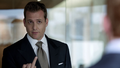Harvey - Middle Finger (2x06).png