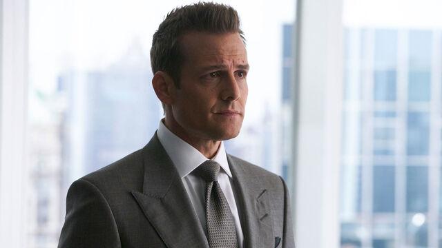 File:Harvey Specter (7x03 Promotional).jpg