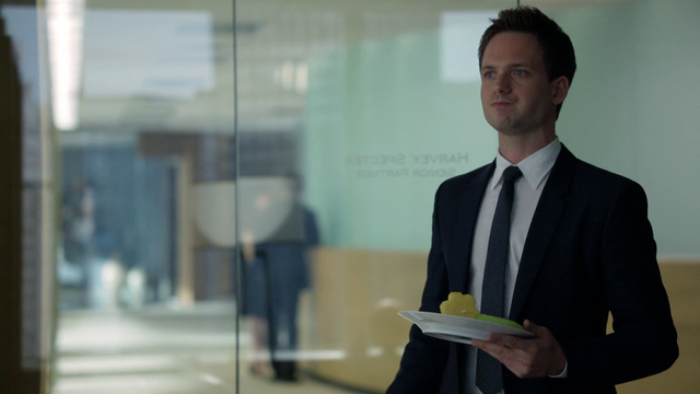 File:Mike (2x02).png