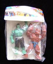 Incredible Hulk and Thing (Los Vengadores figures)