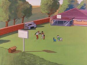 Marvin's Backyard (01x09 - The Balloon People)