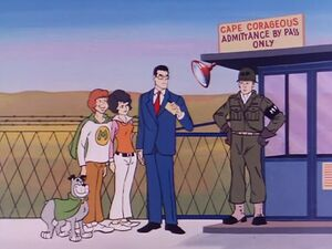 Cape Courageous Guard Gate 2 (01x08 - The Androids)