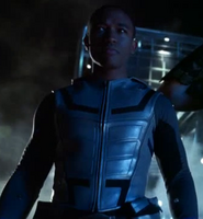 Cyborg Lee Thompson Young (Smallville, 611 - Justice) (2)