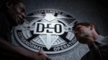 Дж'онн Дж'онзз официально принимает Уинна в D.E.O.