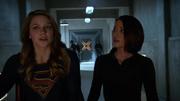 Кара и Алекс обсуждают расставание Джеймса и Люси