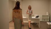 Кэт приводит Кару в её новый кабинет