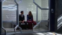 Кара рассказывает Мон-Элу о том, что случилось с Даксамом
