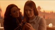 Кара борется со своим теплым воспоминаниями о Криптоне