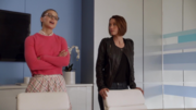Кара и Алекс просят Уинна взломать базу данных D.E.O.