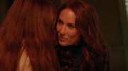 Алура говорит Каре, что у нее сердце героя