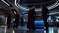 Кларк предъявляет претензии Дж'онну