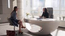 Лена рассказывает Каре об отношениях с матерью
