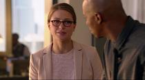 Кара говорит Джеймсу, что им лучше быть друзьями