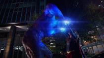 Кара взрывает Паразита с помощью Плутония