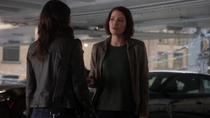 Алекс говорит Мэгги, что они не друзья