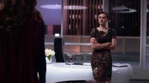 Кара рассказывает Лене правду о её матери