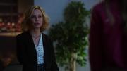 Кэт говорит Каре, что встреча с сыном прошла неудачно