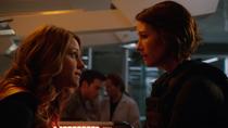 Кара сообщает Алекс, что её отец жив